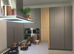 cocina-madera-gris