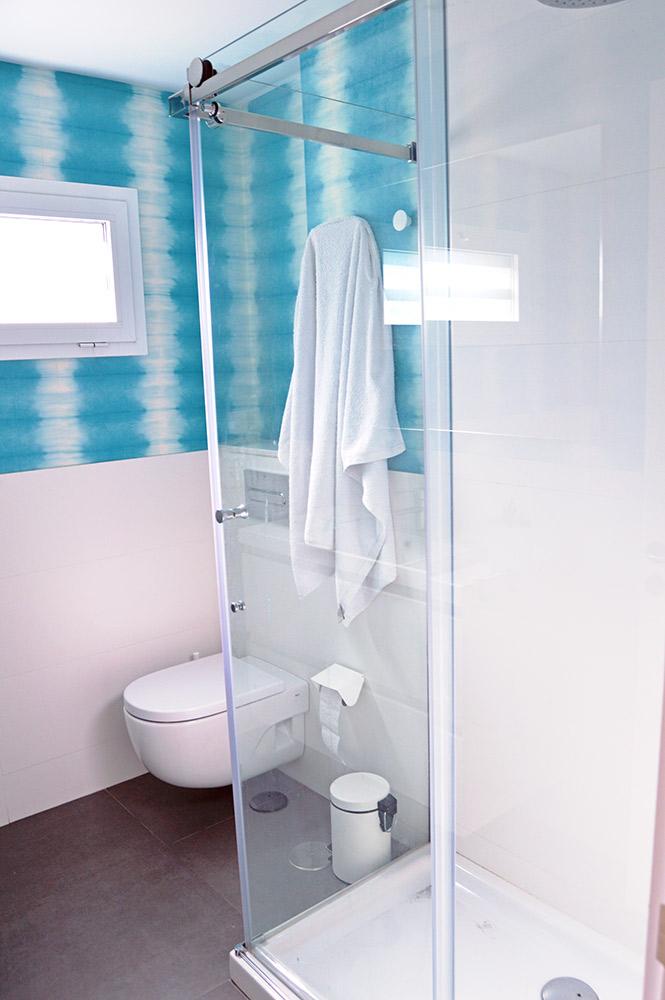 aquarius-bathroom